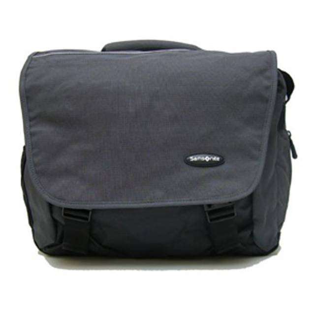 Détail sac messager Samsonite S+US